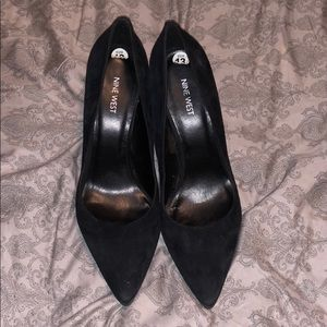 Nine West Black Suede Heels size 13